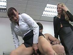Authoritative Hoe Miss Miranda Makes Obedient Dude Eat Her Raw Snatch