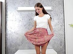 Perverted Solo Chick Taylor Krystal Liquidates Her Sundress To Masturbate