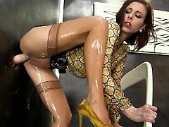 Gloryhole Pornography With A Nasty Bimbo