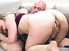 Sultry Nymph Aj Applegate Accentuates Hot Hookup With Amazing Oral