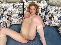 Torrid Alone Sweetie Sonya Chiksa Is Glad To Work On Her Raw Puss