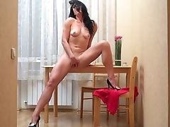 Single Woman Milena Is Masturbating Raw Cunny In The Kitchen