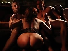 Awesome Mmf Threesome With Such A Gorgeous Bubble Bottomed Honey