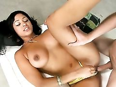 Buxom Dark-hued Lisa Lee In Yellow Underpants Gets Shagged